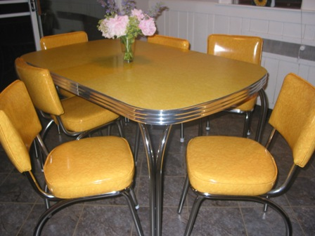 50 S Dinette Set Brought Back To Life With Yellow Ed Ice Vinyl Replacement Seats And Backs